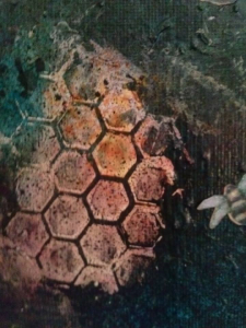 close up of crackle paste bee