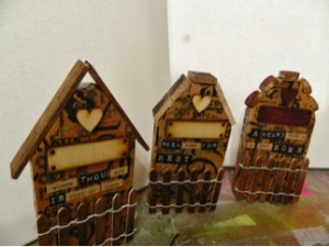 How to make a Mini Altered Houses?